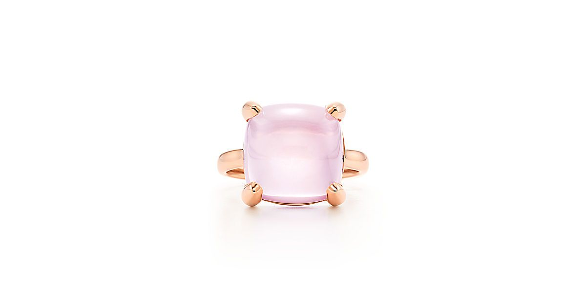 Paloma's Sugar Stacks ring in 18k rose gold with a rose quartz.