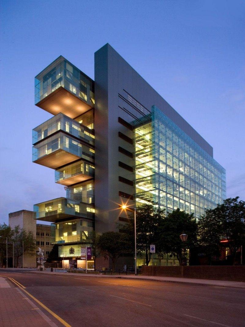 Civil Justice Centre In Manchester United Kingdom By Denton Corker Marshall Architects Unique Buildings Amazing Buildings Futuristic Architecture