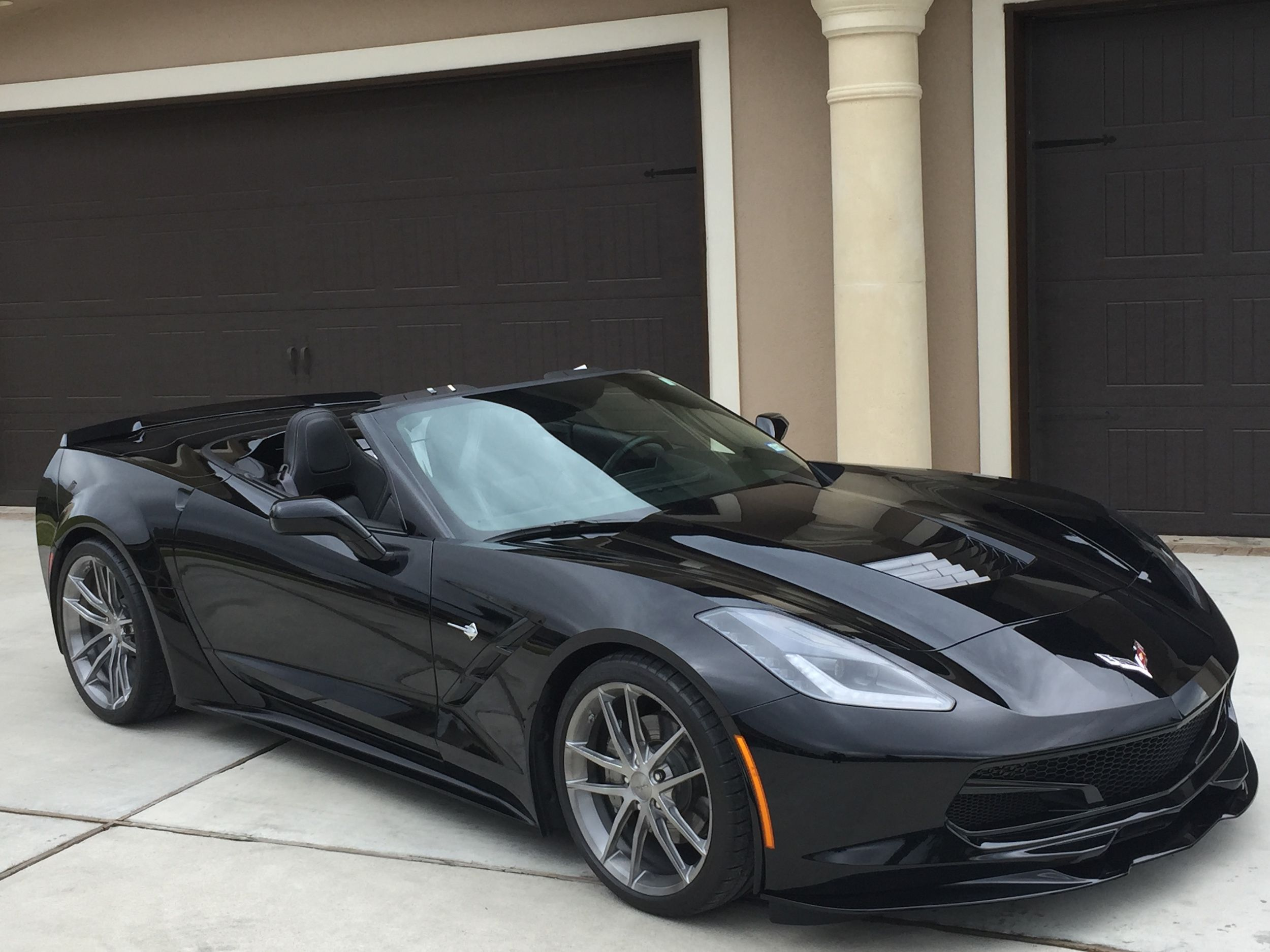 Keith Traylor's C7 convertible started as a basic Stingray convertible. But then the team at 21st Century Muscle Cars equipped it with an 830HP engine pkg, ACS Composites widebody & aero kits, and Michelin Pilot Super Sport tires on 19x9.5 & 20x12 Forgeline 1pc forged monoblock AR1 wheels finished in Transparent Smoke! See more: http://www.forgeline.com/customer_gallery_view.php?cvk=1638  #Forgeline #forged #monoblock #AR1 #notjustanotherprettywheel #madeinUSA #Chevy #C7 #Corvette…
