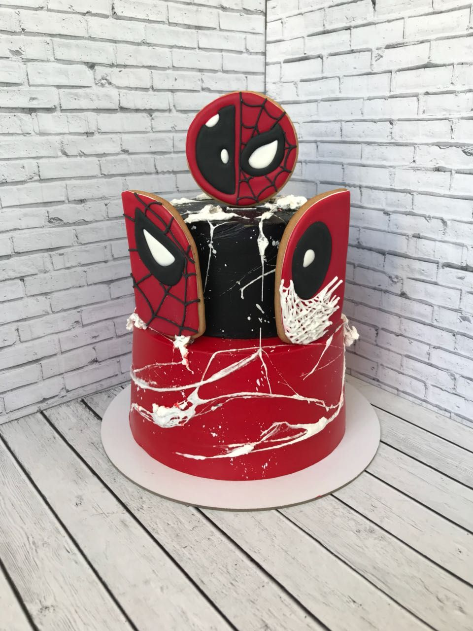 Торт человек паук и дэдпул | Торт человек-паук, Торт в ...