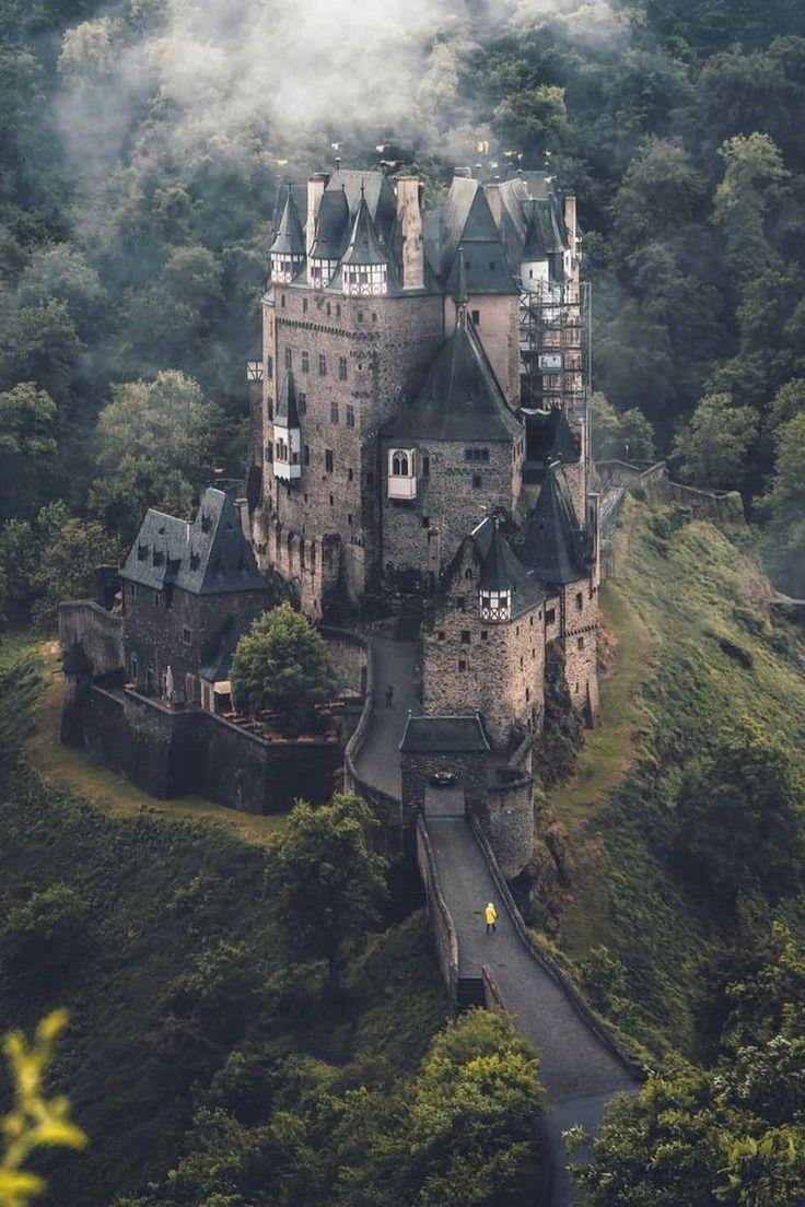Eltz Castle In Wierschem Germany Photographer Marcel Castle Castles Germanytravel Germany Travel Traveltips Schone Gebaude Burgen Und Schlosser Bilder