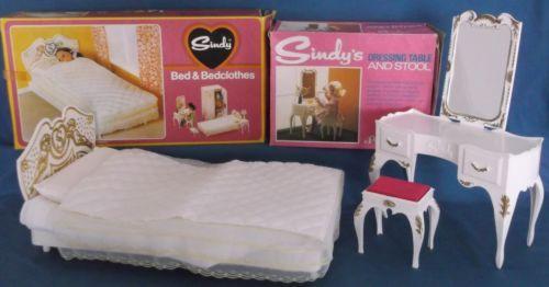 Fashion, Character, Play Dolls Vintage Pedigree Sindy Bedspread