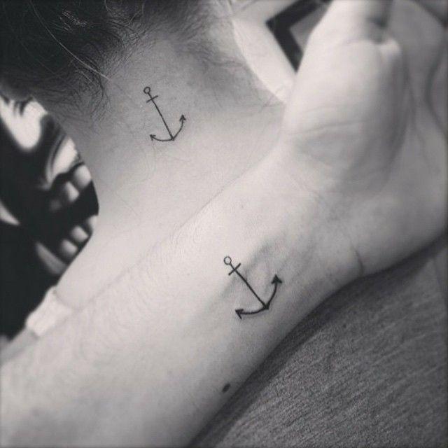 """Tatuagem feita por <a href=""""http://instagram.com/gabrieladroguett"""">@gabrieladroguett</a>!  Atendendo ao pedido da nossa seguidora <a href=""""http://instagram.com/selenia_teixeira."""">@selenia_teixeira.</a> Marque aqui aquela pessoas que você gostaria de dividir uma tattoo."""