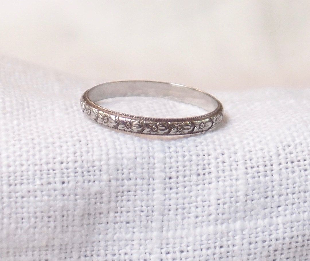 Vintage 18k Gold Wedding Band With Hand Engraved Orange Etsy 18k Gold Wedding Bands Hand Engraving Vintage Wedding Band