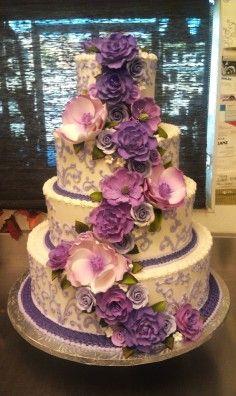 Purple and lavender wedding cake, China-style wedding dessert, flowers decor for summer weddomh
