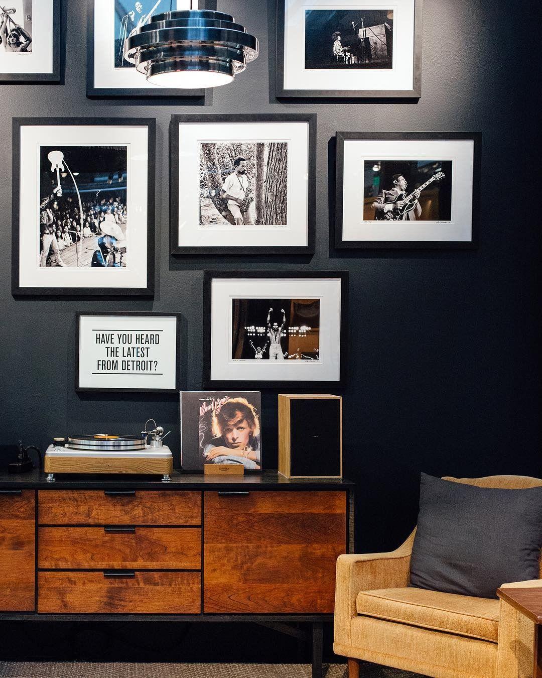 Cascade Console Living Room Interior Design Photo Gallery