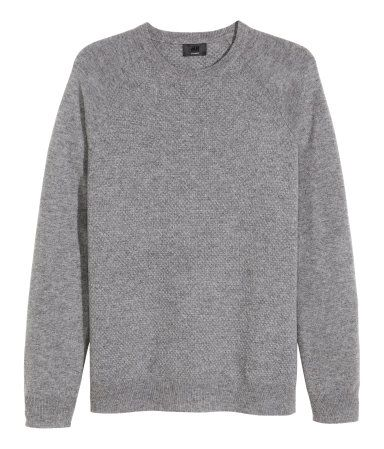f7f930910062 Soft cashmere sweater in a textured grey knit with flat-knit raglan  sleeves.   H M Men s Classics