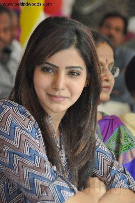 Samantha With Feather Cut Hairstyle Bollywood Hair In 2019