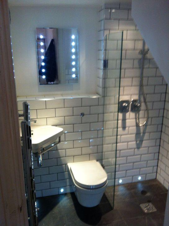 Wouldn T Mind Very Small Bathroom Small Attic Bathroom Tiny