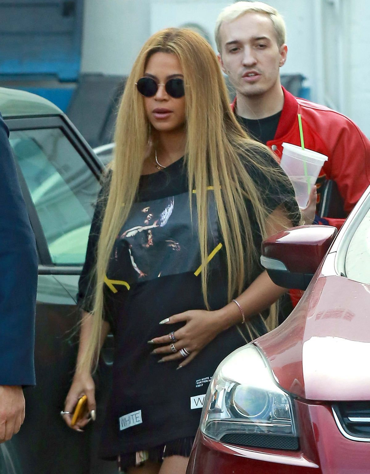 Pregnant Beyoncé Stills Out and About in Beverly Hills  Read more: http://www.celebskart.com/pregnant-beyonce-stills-beverly-hills/#ixzz4Z7Vy0v5v