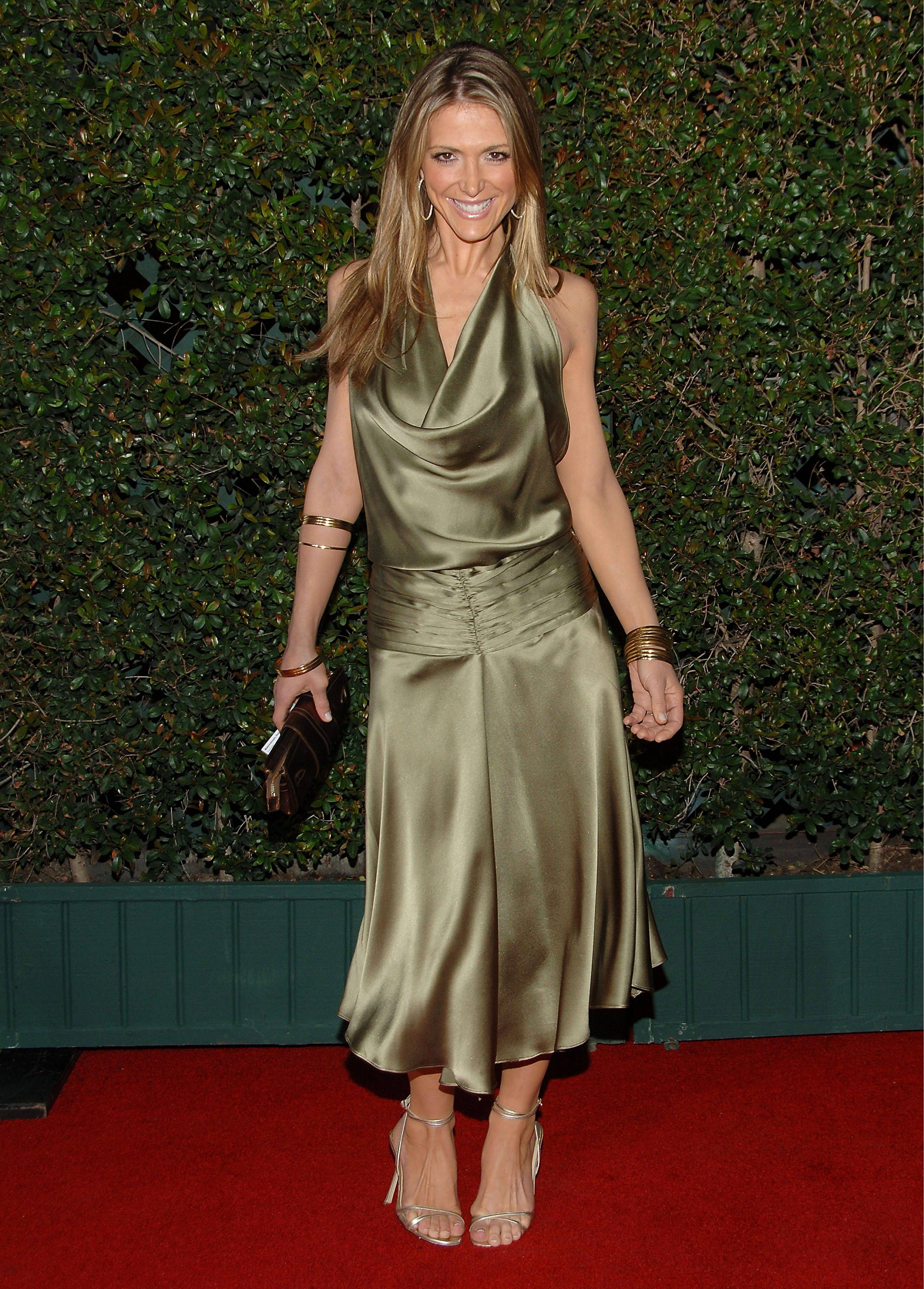 Debbie Matenopoulos Is An American Television Host Sexy  # Rangement Tele Et Sono