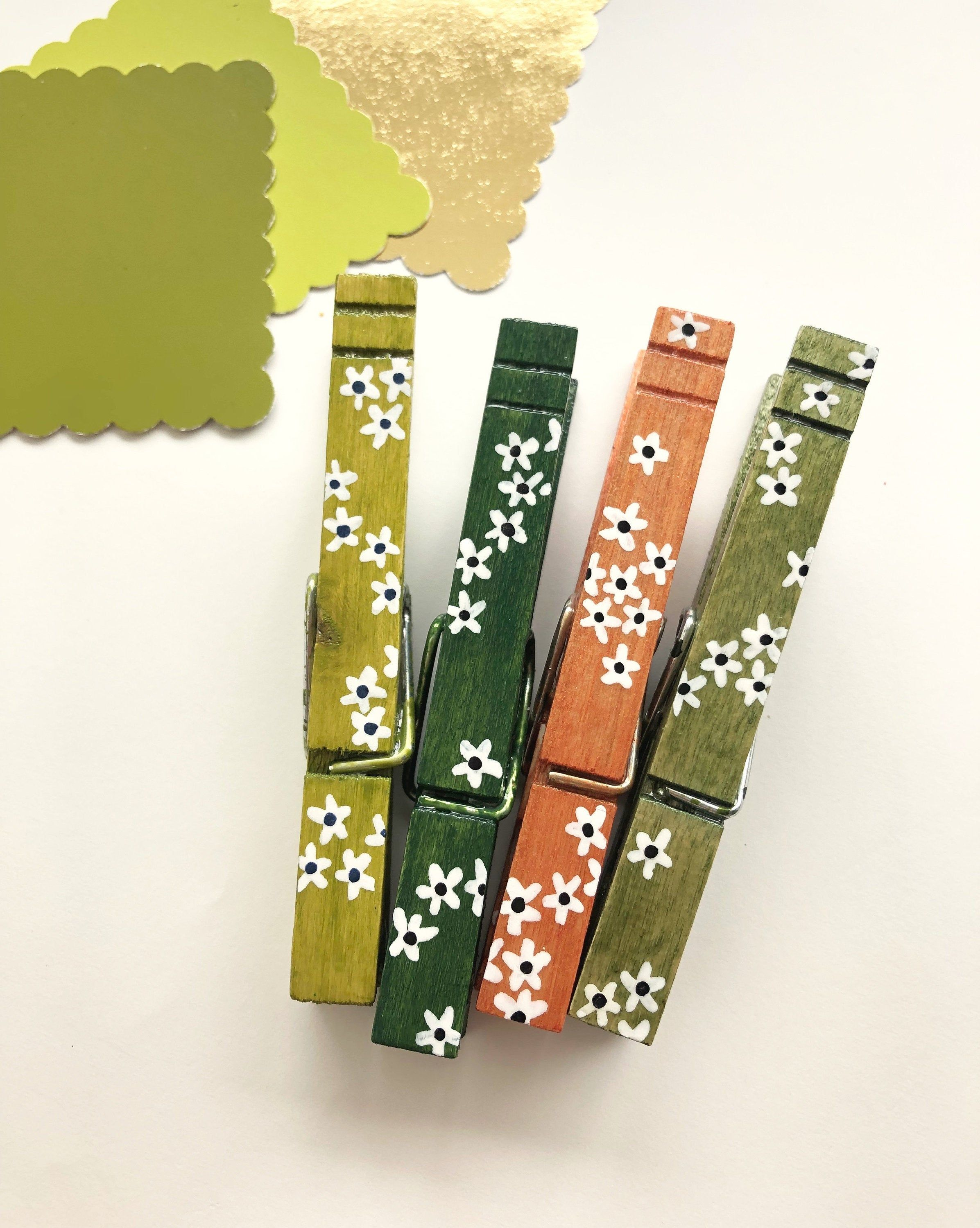 Flower Clothespins Floral Magnets Hand Painted Gift Topper Hostess Gift Chip Clips Small Gift Scandinavian Fa Floral Magnets Clothes Pins Christmas Clothespins