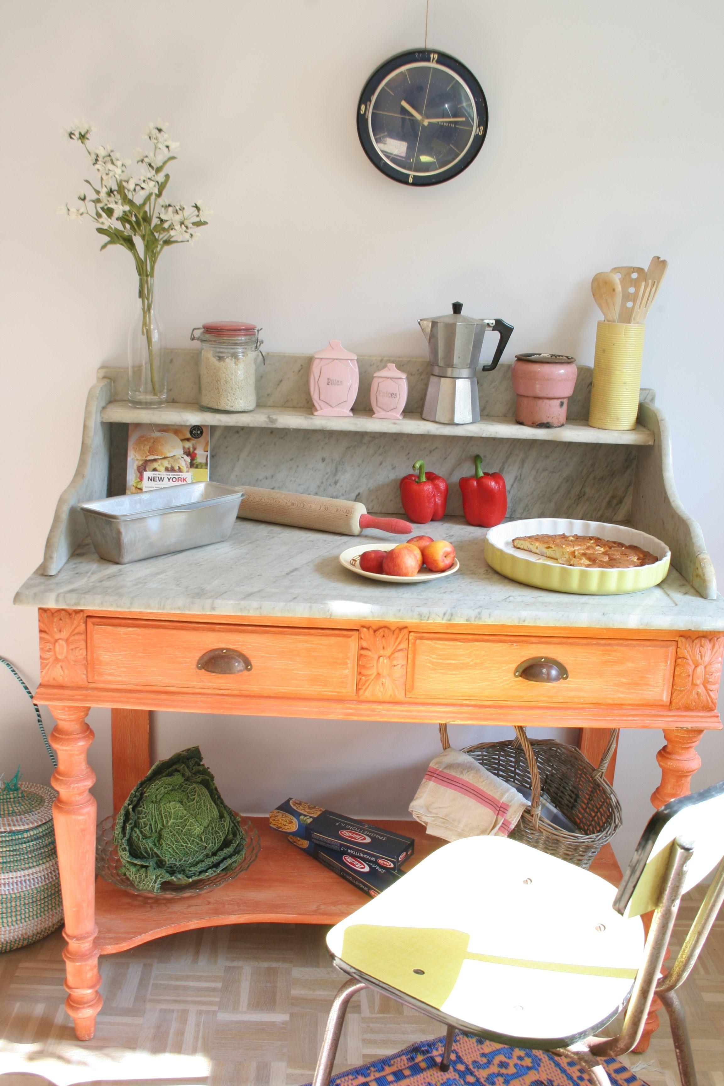 coiffeuse avec marbre r investie dans une cuisine marbre pinterest lieux. Black Bedroom Furniture Sets. Home Design Ideas