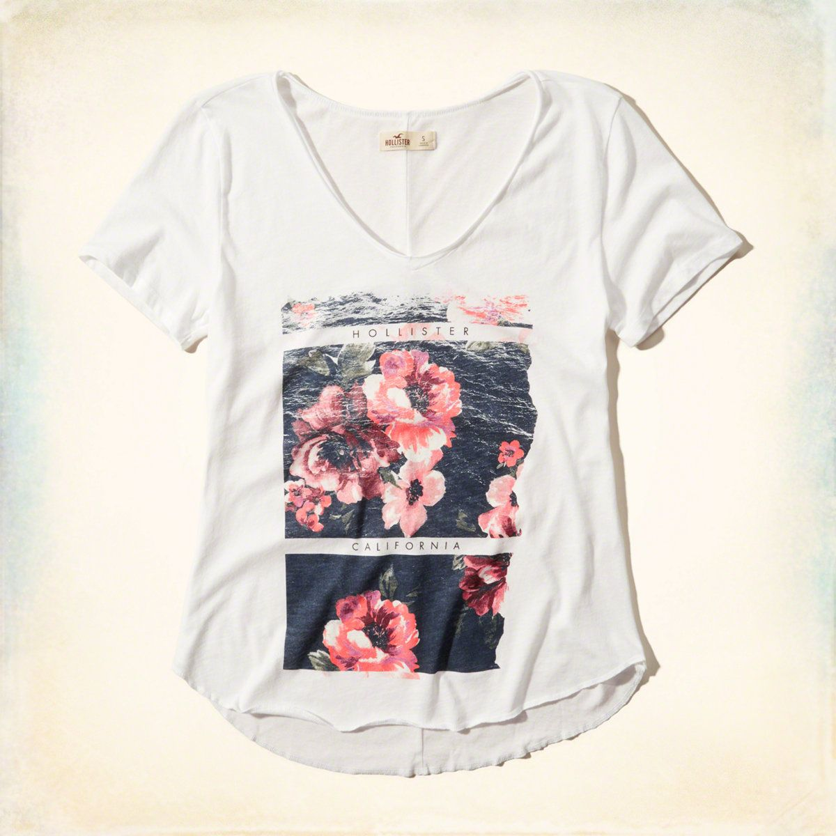 Girls Hollister Graphic Tee | Girls Tops | HollisterCo.com ...