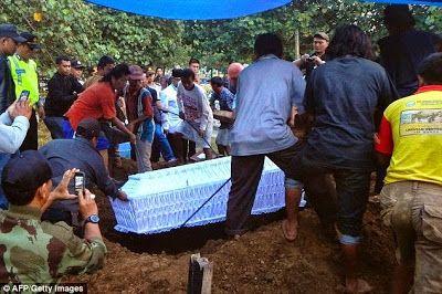 naijamilk.com: Photos of Drug convicts executed in Indonesia buri...