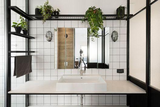 Galería de Rediseño Apartamento Bauhaus / Studio Raanan Stern