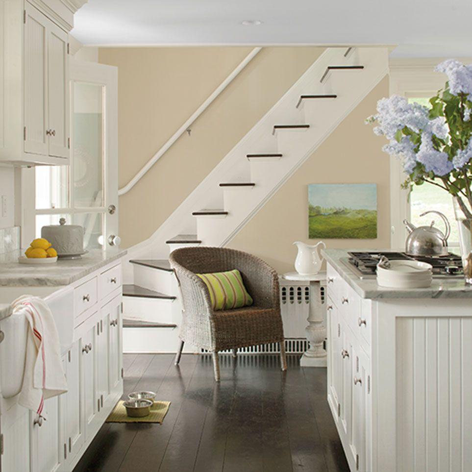 Benjamin Moore: Wall Painted In Benjamin Moore Clay Beige