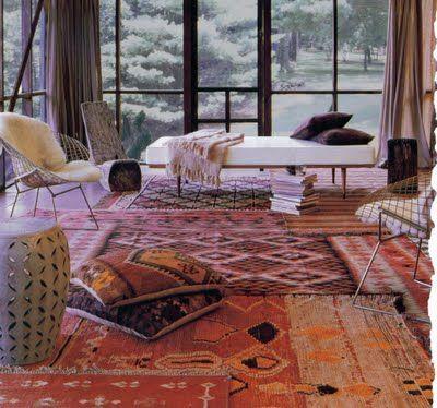 layering floor w/ vintage rugs - YES!!!