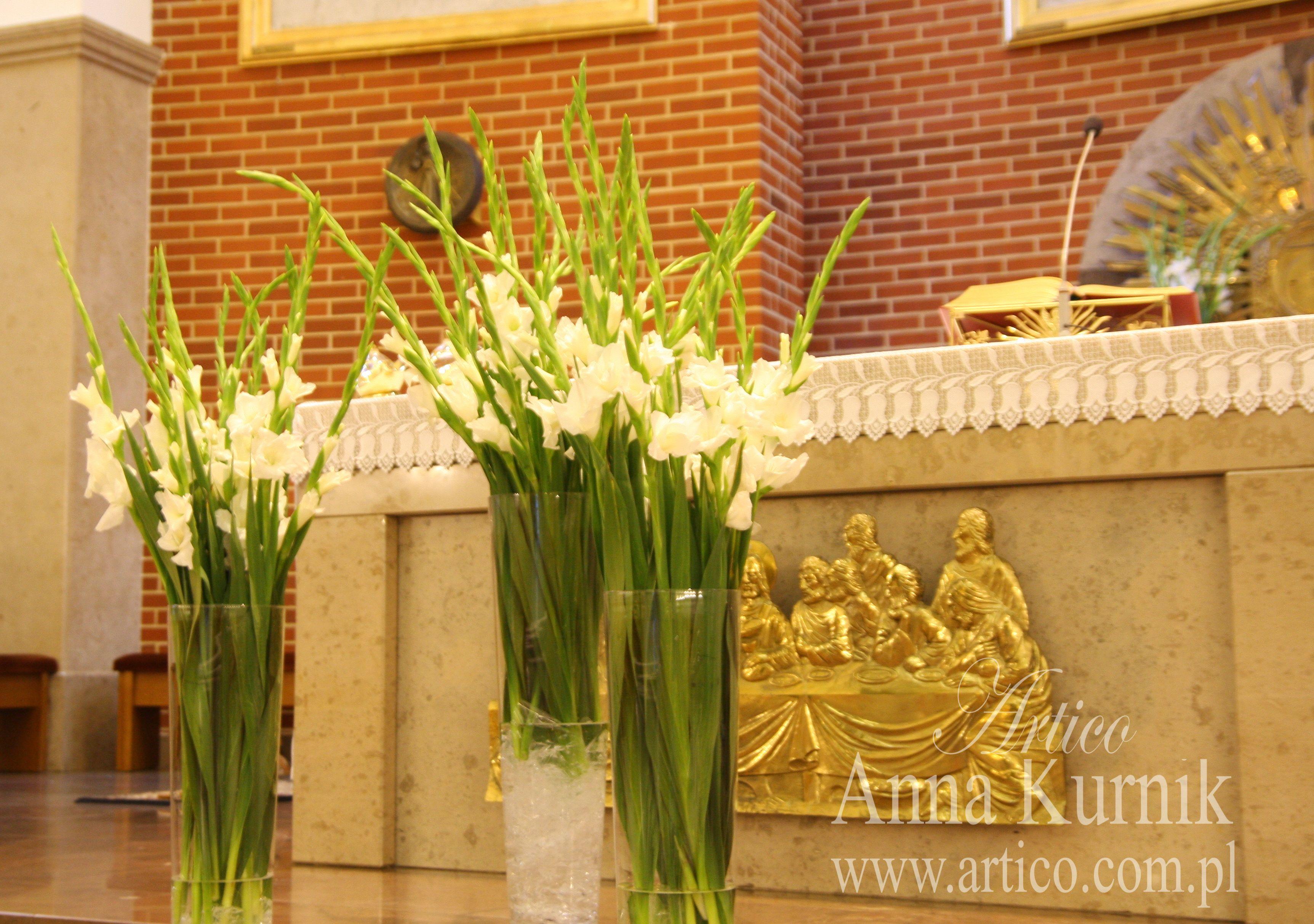 Przecudna Dekoracja Z Mieczykami To Przeciez Tylko Mieczyki A Jak Wyglada Cudownie Wedding Decorations Wedding Plants