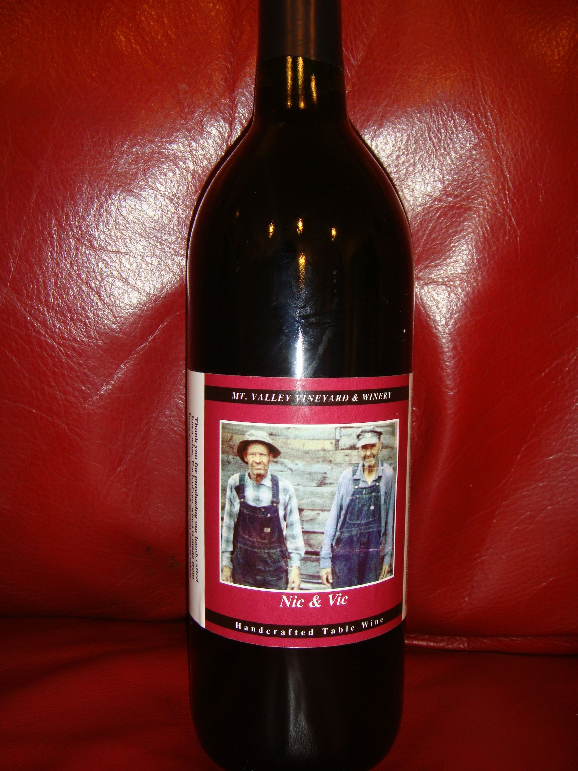 Nic Vic Wine By Mt Valley Vineyard Winery In Forest City Iowa Wine Bottle Wine Winery