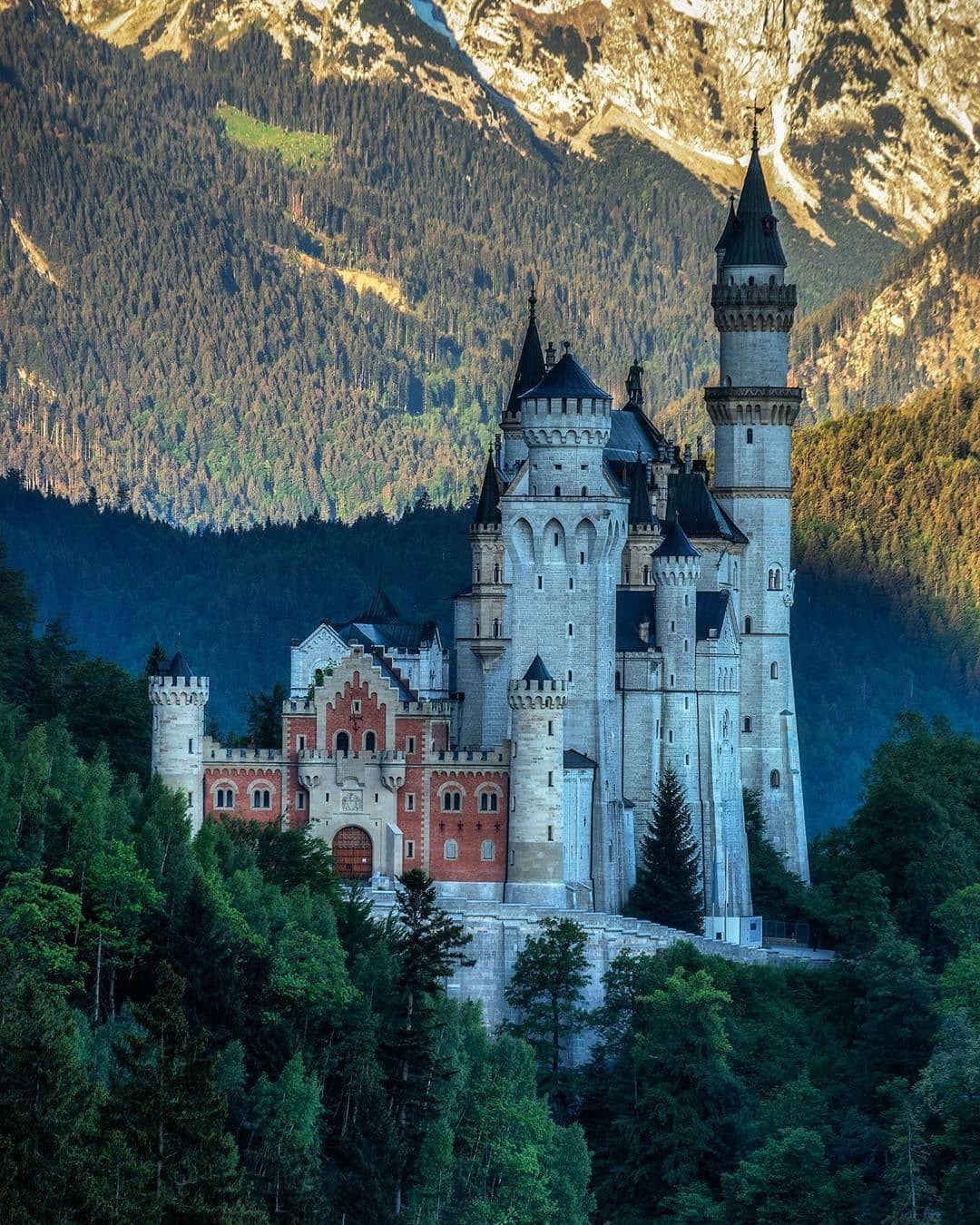 Pin On Castles Of The World