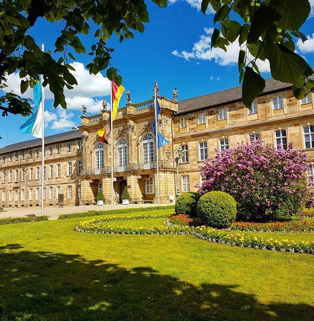 Das Neue Schloss Unter Weiss Blauem Himmel Ein Objekt Der Welt Der Wilhelmine Die Mehr Als Nur Eine Reise Nach Bayreuth Wert Is Bayreuth Castle Parts Instagram