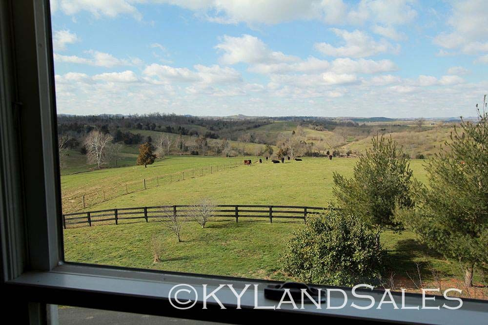 Pin By Bluegrass Team On Kentucky Houses And Farm Land For