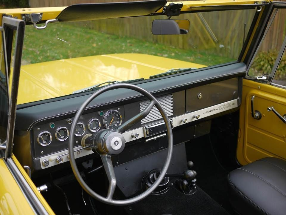 International Harvester Interior : Leather appointed interior of scout
