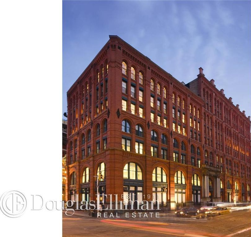 293 Lafayette St # PHV, New York, NY 10012