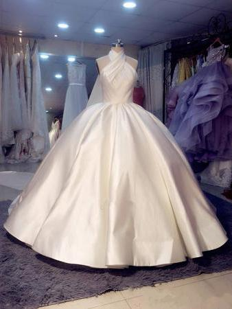 a897542eb41a Ball Gown Wedding Dresses Romantic Halter Open Back Luxury Simple Big Bridal  Gown JKW307