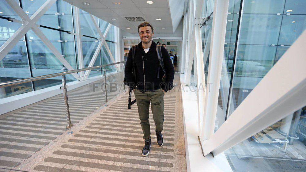 """FC Barcelona on Twitter: """"[GALERÍA DE IMÁGENES] El equipo ya ha salido de Barcelona y vuela hacia Madrid ✈ https://t.co/FLImAvBOW2 #ElClásico https://t.co/8WexstWwBi"""""""