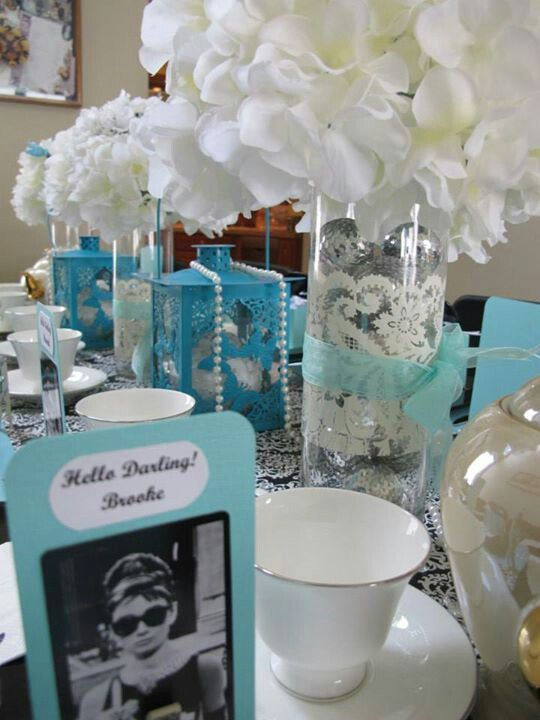 table decor centerpieces for breakfast at tiffany party rh pinterest com breakfast at tiffany's party decorating ideas breakfast at tiffany's party decorating ideas