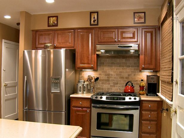 Kitchen backsplash. Our Favorite Kitchen Backsplashes   Paint cabinets white