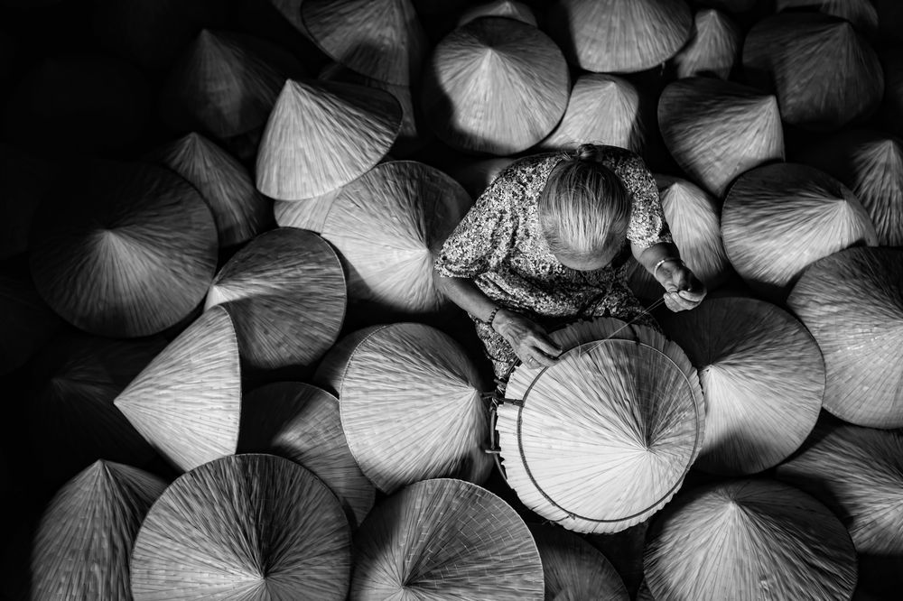 Palm leaf conical hat maker photo by huynh jet national geographic your shot picture craftblack white