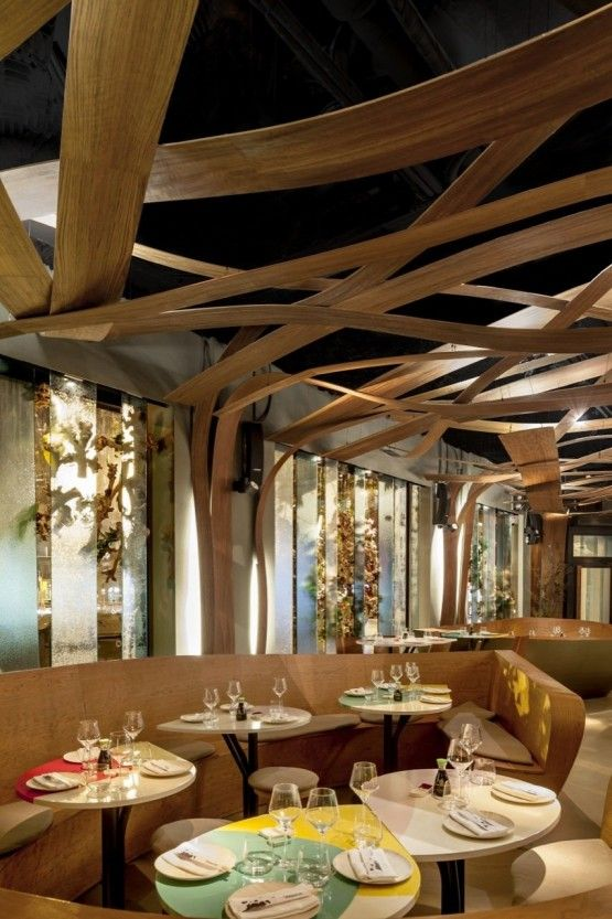 best restaurant decoration with unique tables and seats