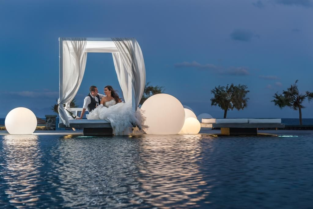 Mediterranean Beach Hotel Is Located On The Of Ri Island Santorini Perfect Hideaway Candlelight Dinners And Sparkling Moonlit Skies