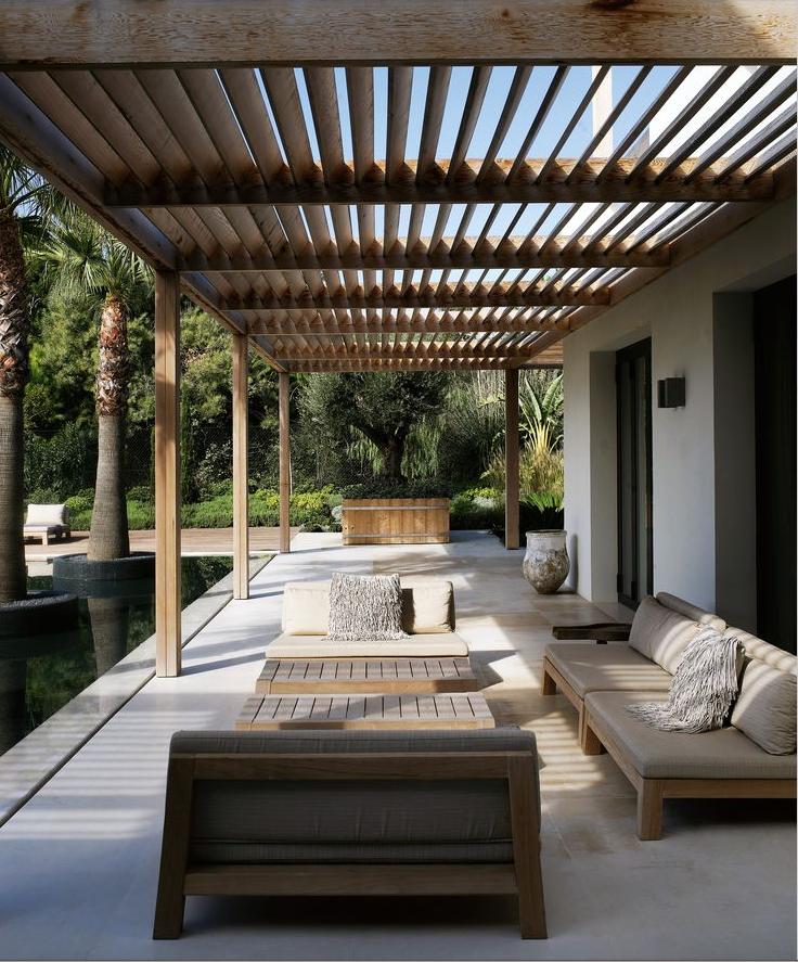 Die Terrassenüberdachung Ist Aber Eine Praktische Zugabe,denn Sie Schützt  Vor Sonne Und Regen.Eine Große Auswahl An Materialien Für Die  Terrassenüberdachung