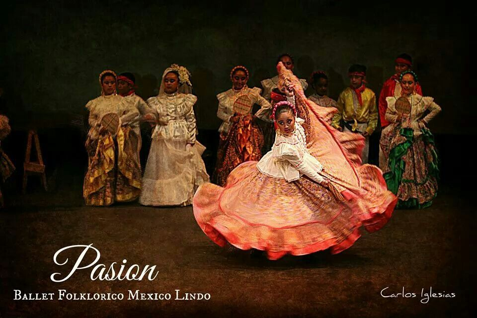 Zulema ya lista pa sus vueltas de plato  #dance #mexicandance #balletfolklorico #folklorico #soymexicolindo #beauty #passion