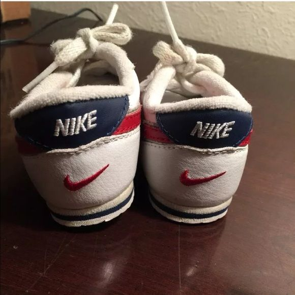Vintage Nike Cortez TODDLER 4 swoosh VINTAGE Red white and blue Nike Cortez  old school kicks. TODDLER size 4. Excellent pre owned condition. 3d44d62d4693