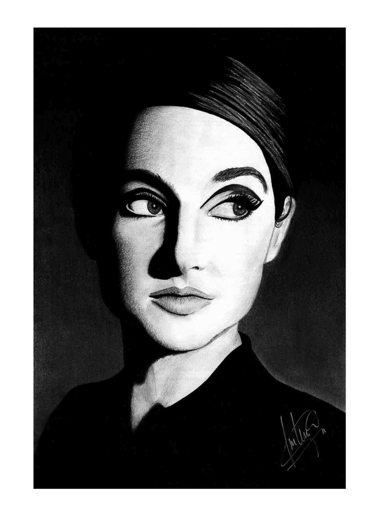 Here's a portrait of the beautiful Shailene Woodley,keep being awesome! :D