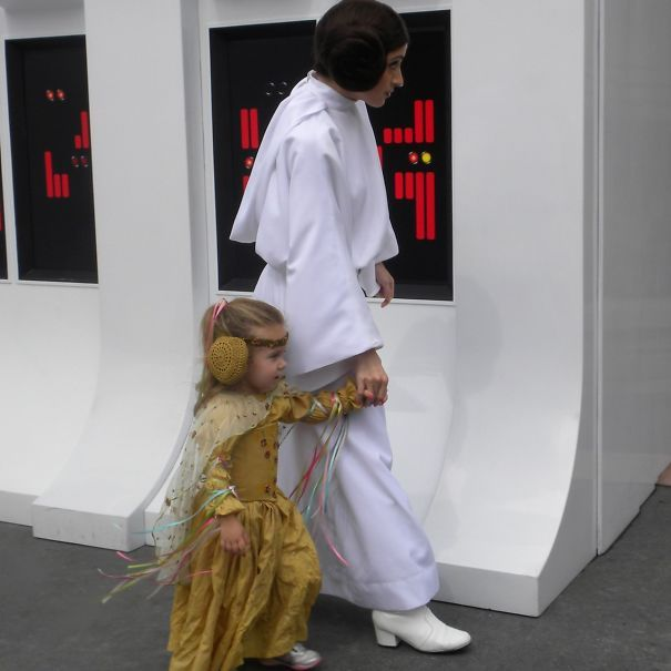 Star Wars Padme Princess Leia Mom Creates Stunning Disney - Mom creates the most adorable costumes for her daughter to wear at disney world