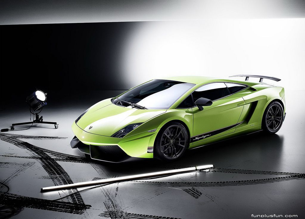 Green Ferrari Cool Wallpapers HD (by carsbackground) | ランボルギーニ