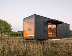 Maison container une construction conomique et rapide for Mini maison usinee