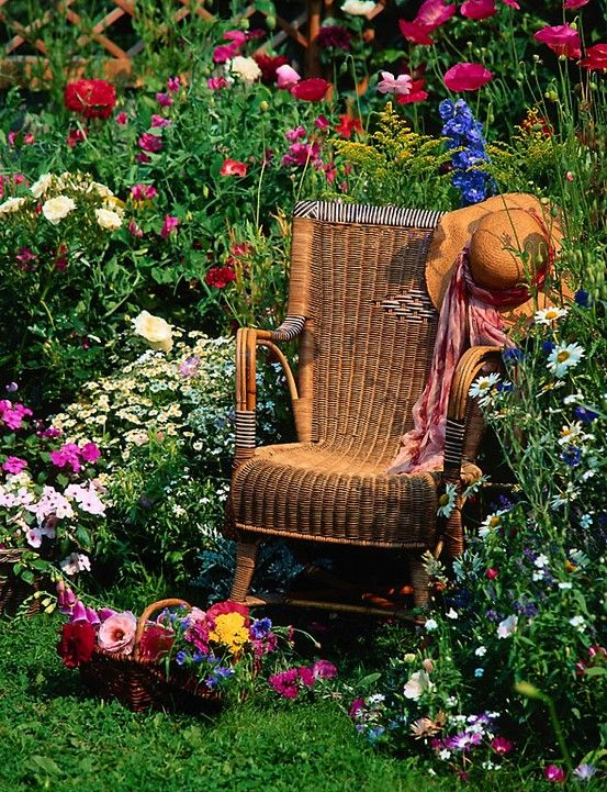 what a resting place to enjoy the beauty of flowers everywhere
