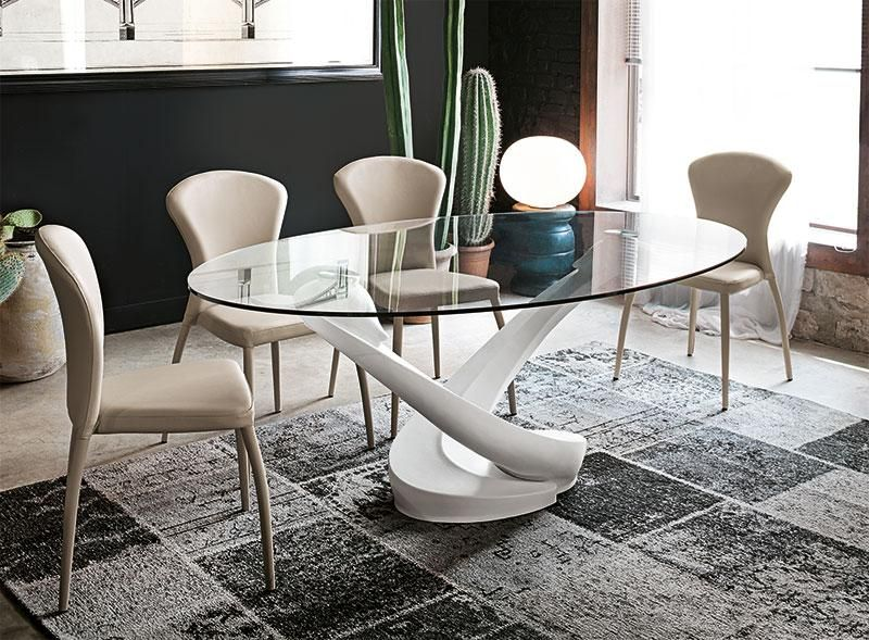 Contemporary Oval Glass Dining Table With Base In White Oval