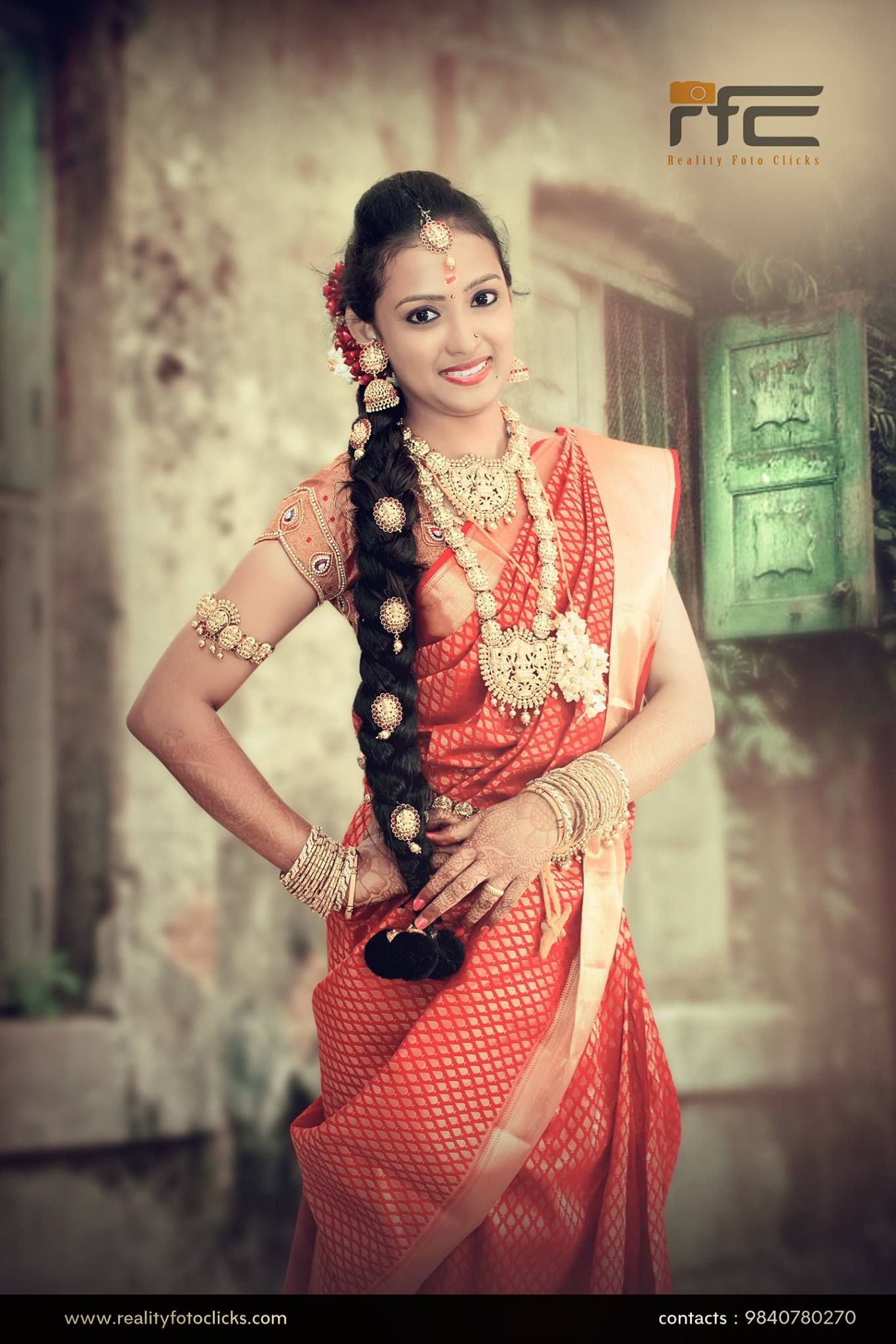 Kerala wedding reception dresses for the bride  Bridal jewelry  South Indian Wedding Collections  Mom  Pinterest