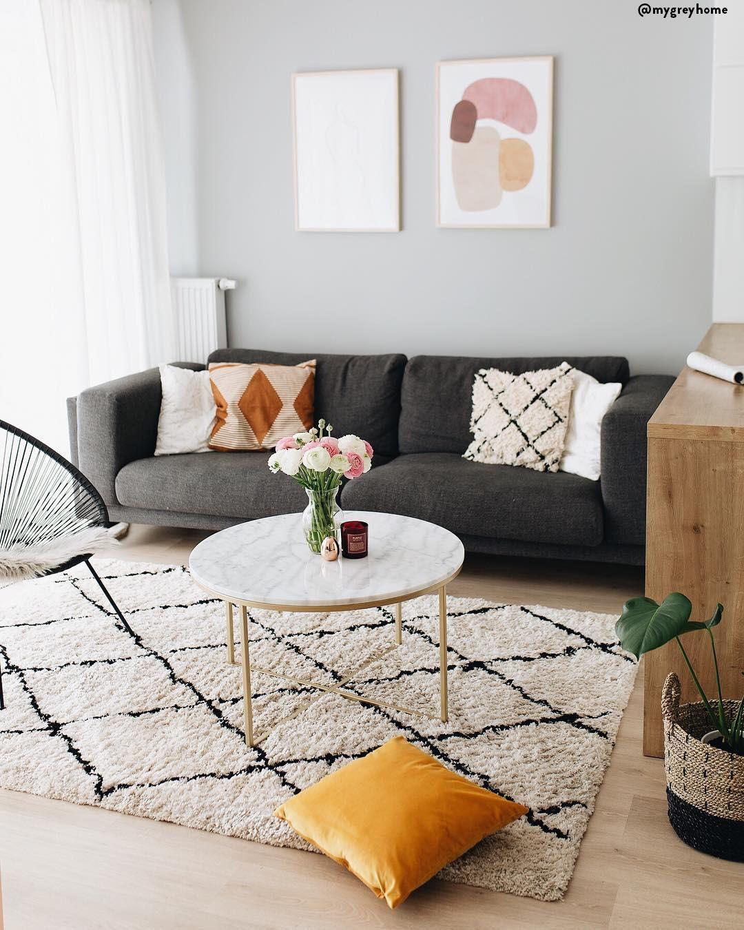 In questo salotto tutto è perfetto! Il divano comodissimo