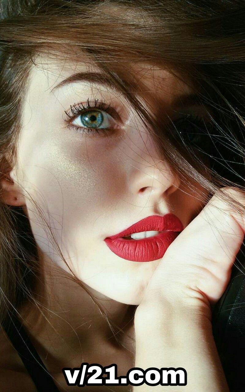 Pin Oleh All Types Beauty S Di A Beautiful Face Fotografi