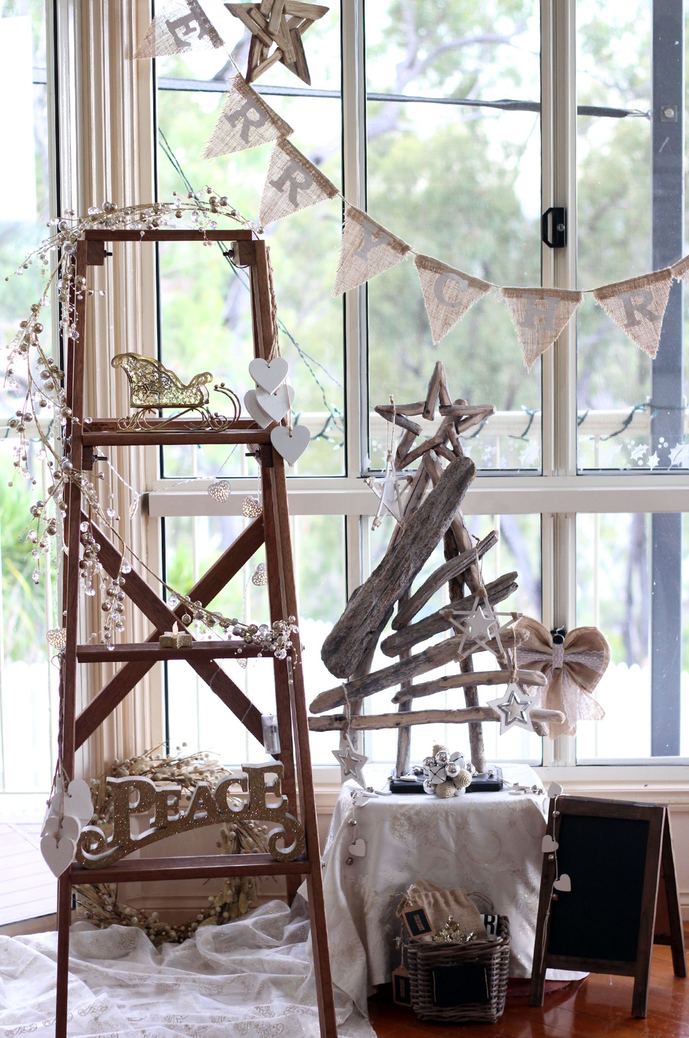 Rustic Christmas, Christmas Ladder, Driftwood Christmas Tree, Chalkboard Christmas, Burlap Christmas