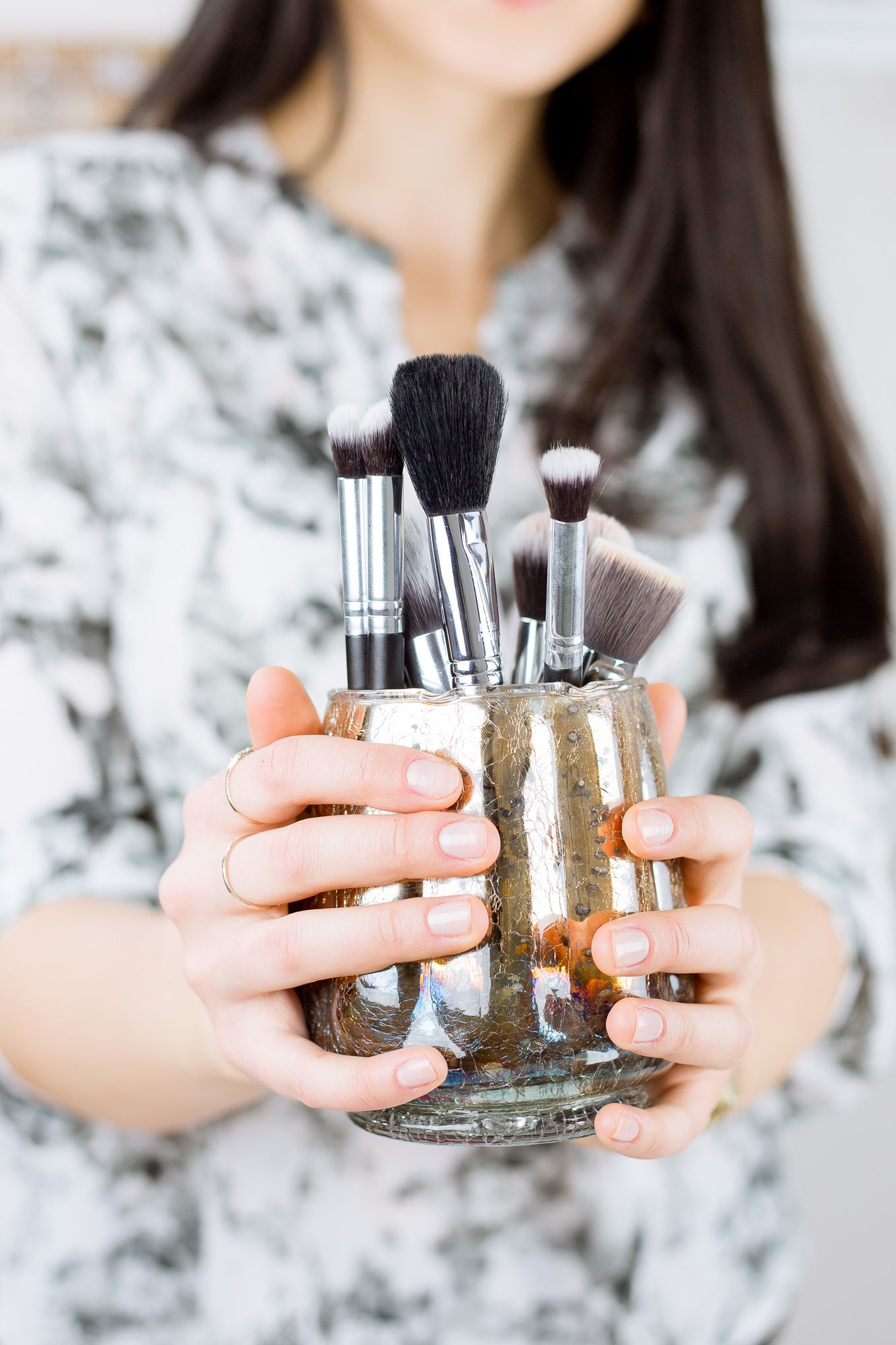 How To Clean Makeup Brushes With Baby Shampoo (With images